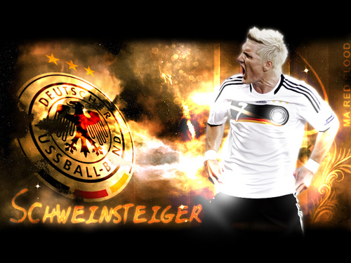schweinsteigerwallp58857.jpg