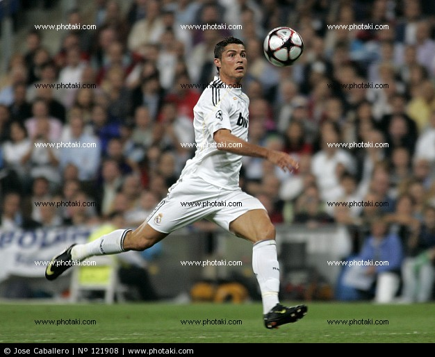 christianronaldodurealmadrid121908.jpg